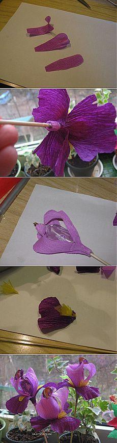 Ирисы из конфет и гофрированной бумаги