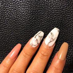 @bellasheleise nails, marble nails, claws, nail slay, coffin nails pin: @bellabaddie