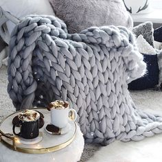 Love this chunky knit blanket!
