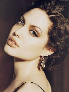 Angelina jolie photos photos cannes angelina jolie and brad angelina jolie short hair after gia urmus Image collections