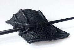 Leder Haarschmuck Blatt http://de.dawanda.com/product/44521654-Leder-Haarschmuck-Blatt