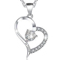 Pendentif en forme de cœur blanc Simulé Opal .925 Sterling Silver Charm