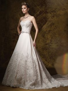 To see more gorgeous dresses: http://www.modwedding.com/2014/11/11/25-gorgeous-wedding-dresses/ #wedding #weddings #wedding_dress designer: James Clifford