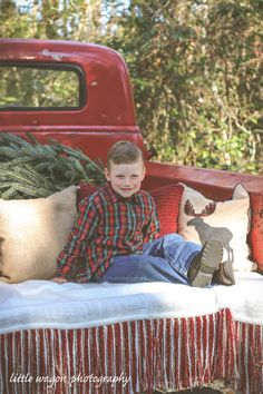 Christmas Mini Session - Rustic Red Truck - Old Chevy  La Bella Amie vineyard - Little River, SC