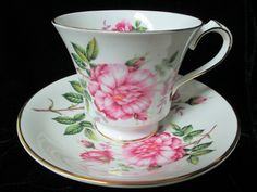 Anysley of England Gorgeous Large Roses Decor Cup by Cupsofthepast