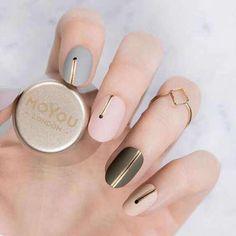 30 Cute Nail Design Ideas For Stylish Brides - Nageldesign - Nail Art - Nagellack - Nail Polish - Nailart - Nails - Classy Nails, Cute Nails, Pretty Nails, Stylish Nails, Minimalist Nails, Minimalist Design, Hair And Nails, My Nails, How To Do Nails
