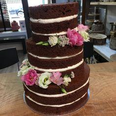 Tarta seminaked de chocolate Cupcakes, Chocolate, Desserts, Food, Fondant Cakes, Lolly Cake, Candy Stations, Tailgate Desserts, Cupcake Cakes