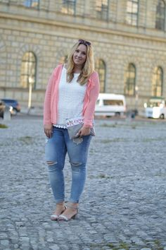 Plus Size Fashion - The Skinny and the Curvy one