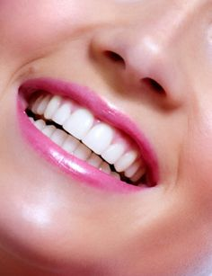 Top Oral Health Advice To Keep Your Teeth Healthy. The smile on your face is what people first notice about you, so caring for your teeth is very important. Unluckily, picking the best dental care tips migh Smile Teeth, Teeth Care, Smile Dental, Dental Health, Oral Health, Dental Hygiene, Veneers Teeth, Perfect Teeth, Perfect Smile