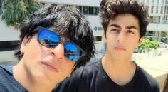 Pics Alert! Shah Rukh Khan Creates Frenzy As He Attends His Son Aryan's Orientation - Shah Rukh Khan's son, Aryan Khan recently graduated from London's prestigious Seven Oaks School and now, the star kid has enrolled in University of South