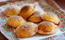 Baked cinnamon doughnuts with Nutella filling