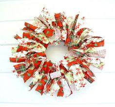 RagHearth rag wreaths (20) - Shared on my site: http://stunninghomedecor.com/2015/11/16/raghearth-rag-wreaths-20/
