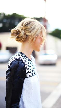 Stylish and Quick Messy Bun Hairstyles 2015 Hair styles Messy Bun Hairstyles, Summer Hairstyles, Pretty Hairstyles, Style Hairstyle, Updo Hairstyle, Casual Hairstyles, Wedding Hairstyles, Layered Haircuts With Bangs, Long Hair With Bangs