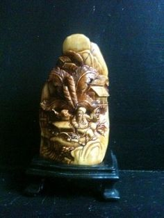 China Collectible Shoushan Stone Carving Old Man Snuff Bottle+Box