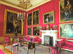 BLENHEIM PALACE: THE RESIDENCE OF THE DUKES OF MARLBOROUGH