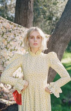 """""""Lucy Boynton photographed by Carissa Gallo for 'Who What Wear' (February """" Lucy Boynton, Foto Casual, Girl Crushes, Style Icons, Vintage Dresses, Beautiful People, Celebrity Style, Fashion Beauty, Fashion Photography"""