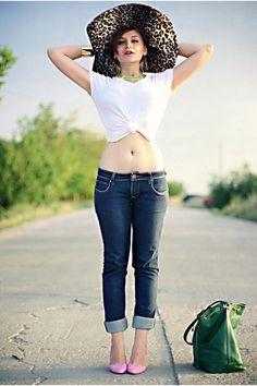 Bubble-gum-stradivarius-shoes-navy-lee-cooper-jeans_400
