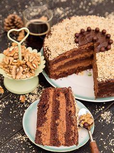 Dulciuri de post. Deserturi sanatoase si usor de preparat - Case practice Vegan Sweets, Sweets Recipes, Vegan Desserts, Romanian Food, Dessert Drinks, Vegan Cake, Aesthetic Food, Homemade Cakes, Something Sweet