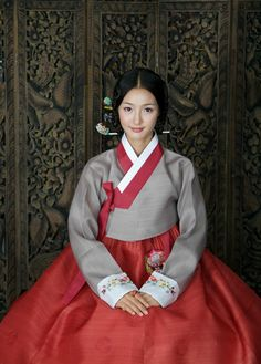 Hanbok - Korean Traditional Dress - oh, that rusty orange with palest pewter and ivory! Korean Traditional Dress, Traditional Fashion, Traditional Dresses, Korean Dress, Korean Outfits, Korean Girl, Asian Girl, Cultures Du Monde, Modern Hanbok