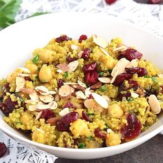 Sweet & savory 30-minute Moroccan chickpea quinoa salad made in one pot. Delicious flavors and the perfect vegetarian meal to prep for lunch!