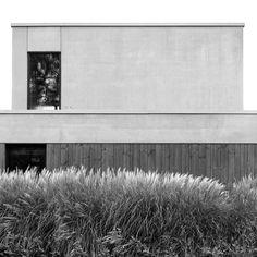 STAM architecten — Woning GOOS Open Plan, Garage Doors, Outdoor Decor, Jaco, Villa, Arquitetura, Kitchen Bars, Houses, Homes