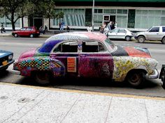 Cars painted by Cuban artists 2002 Story from the Cuban news agency Prensa Latina Photos by Walter Lippmann Auto Paint, Pretty Cars, Car Colors, Car Painting, Rat Rods, Car Ins, Cuban, Old Cars, Havana