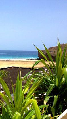 (FR) Notre vue depuis le superbe hôtel Foya Branca à Sao Vicente - (ENG) Our view from the beautiful Foya Branca Hotel