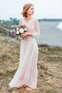 Romantic cliffside bridal session | Nicole Dianne Photography | see more on:  http://burnettsboards.com/2014/10/romantic-cliffside-bridal-session/