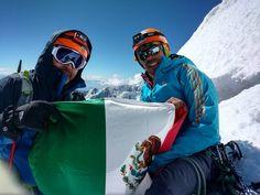 """""""En avalancha cayeron bloques de hielo del tamaño de un refrigerador"""" Para el grupo de Alpinistas de Chihuahua, tanto José Miguel Mendoza Paulín, de 44 años, como Carlos Guido Belkotosky Rascón, de 45 años, se encuentran desaparecidos y no muertos como se ha informado. Los dos montañistas junto con Rubén Jaen Cataño, fueron arrastrados por una avalancha en el nevado de Huascarán, sierra norcentral de Perú. Cataño fue rescatado por otro grupo de alpinistas ya que logró refugiarse en una gruta"""