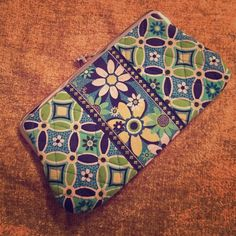 VERA BRADLEY kisslock closure wallet Excellent condition green & blue patterned wallet with blue interior. 7 card slots, 1 ID slot, 1 cash slot & zip pocket for coins. Vera Bradley Bags Wallets