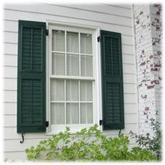 Louvered, Drk Green, S Dogs, L Hinges