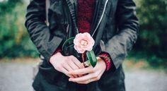 Es ist verrückt, alle Rosen zu hassen, nur weil dich eine gestochen hat, oder auf alle #Träume zu verzichten, nur weil sich einer nicht erfüllt hat.  - Antoine de Saint-Exupéry