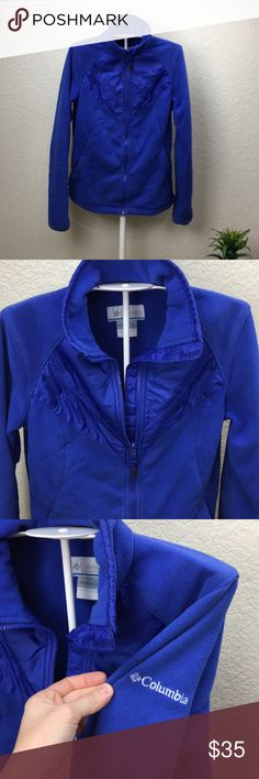 4709a7299ce Columbia interchangeable women s full zip sweater Preowned in great  condition Women s size S Length approx 24.5