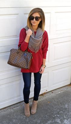35 fall outfits for moms + 2 capsule wardrobes you can copy Outfits 2019 Outfits casual Outfits for moms Outfits for school Outfits for teen girls Outfits for work Outfits with hats Outfits women Mom Outfits, Casual Fall Outfits, Fall Winter Outfits, Autumn Winter Fashion, Cute Outfits, Casual Dressy, Christmas Outfit Women Dressy, Casual Winter, Party Outfits