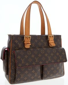 A classic shoulder bag from Louis Vuitton in the monogram canvas.