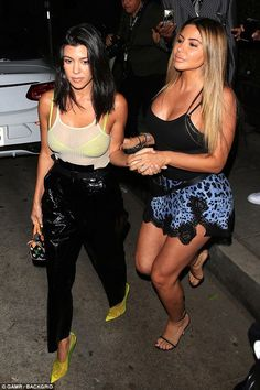 Kourtney Kardashian enjoys girls night out after split from Younes Bendjima amid cheating rumours Kardashian Style, Kardashian Jenner, Kourtney Kardashian 2018, Younes Bendjima, Enjoy Girl, Jenner Style, Mode Inspiration, Fashion Inspiration, Girls Night Out