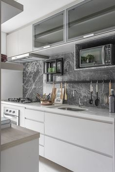 Did you like this kitchen? I loved Comment if you liked . inspiration: Author n . - Design Cointrend News Kitchen Interior, Kitchen Decor, Kitchen Models, Interiores Design, Cool Kitchens, Sweet Home, Kitchen Cabinets, House Design, Decoration