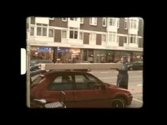 WOW Tube TV doos. Wat gebeurt er als je met een grote tv doos door de Wijk Oud West van Rotterdam loopt?