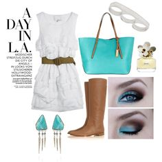 Perfect outfit and colors..