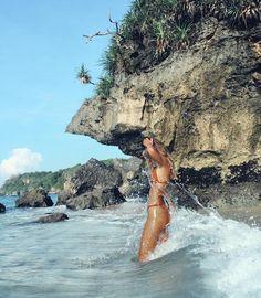 Summer Vibes :: Beach :: Friends :: Adventure :: Sun :: Salty Fun :: Blue Water :: Paradise :: Bikinis :: Boho Style :: Fashion Outfits :: Free your Wild Summertime Inspiration Beach Pink, Beach Bum, Summer Beach, Beach Hair, Spring Summer, Summer Vibes, Outfits Inspiration, Travel Inspiration, Photography Beach