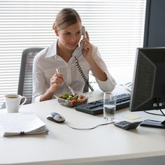 5 Surprising Reason to Stop Eating Lunch at Your Desk