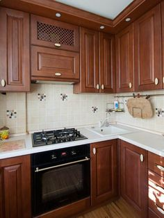 Дизайн угловой кухни 6 кв.м. из массива дуба с патиной Kitchen Room Design, Kitchen Cabinet Design, Kitchen Cabinets, Kitchen Furniture, Room Decor, House, Ideas, Design Of Kitchen, Home