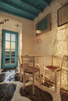 Caprice bar in Mykonos, Cyclades, Greece / pinme. Mykonos Island, Mykonos Greece, Santorini, Paros, Greek Cafe, Greece Fashion, Greek Restaurants, Greek House, Greek Culture