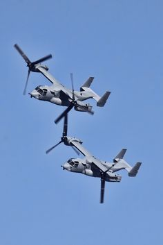 Bell Boeing Osprey is an American multi-mission, military, tiltrotor aircraft with both a vertical takeoff and landing (VTOL), and short takeoff and landing (STOL) capability. Military Helicopter, Military Jets, Military Weapons, Military Aircraft, Air Force, Air Machine, Military Equipment, Jet Plane, Fighter Jets