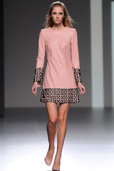 New Fashion Week Madrid Winter Ideas Trendy Dresses, Nice Dresses, Casual Dresses, Stylish Outfits, Pastel Fashion, Trendy Fashion, Womens Fashion, Style Fashion, Dress Outfits