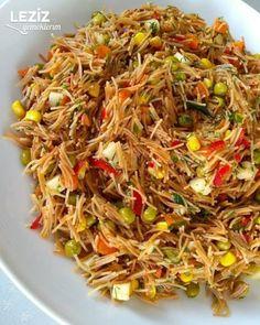 Kavrulmuş Tel Şehriye Salatası – Pilav tarifi – The Most Practical and Easy Recipes Turkish Recipes, Ethnic Recipes, Appetizer Salads, Noodle Salad, Middle Eastern Recipes, Healthy Salads, Food Design, Salad Recipes, Noodles