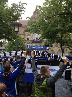 Arminia mal wieder auf dem Bielefelder Rathausbalkon! #dsc #arminia #bielefeld #aufstieg