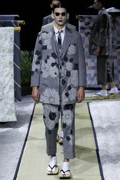 Thom Browne Spring 2016 Menswear Fashion Show