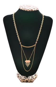 This peach & gold layered necklace is too cute!