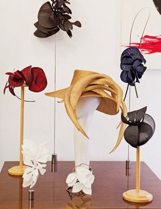 Tocados «Made in Spain Millinery Hats, Fascinator Hats, Fascinators, Turbans, Cc Hats, Hat Display, Races Fashion, Fancy Hats, Love Hat